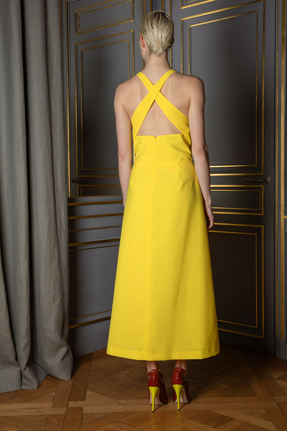 Yellow A-line sleeveless cross back straps dress with bows